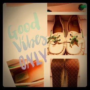 UGG Nuback Boat Shoes Sz 8.5